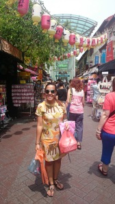 Shopping for souvenirs at Chinatown